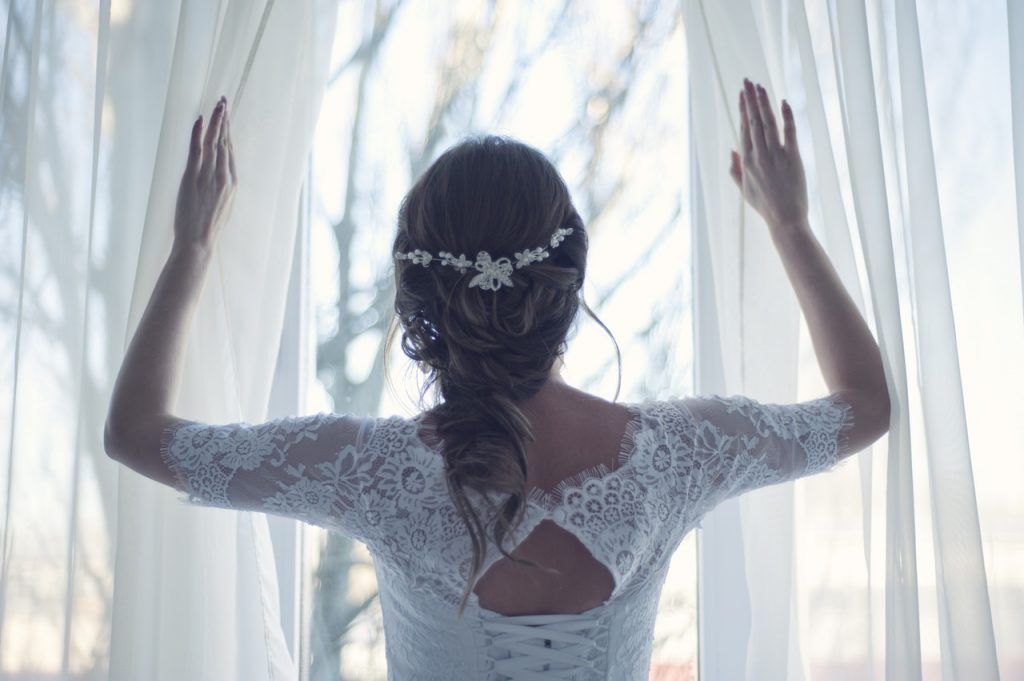 Why the winter may be the best time of year to get married